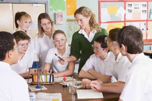 Placówki oferujące wyprawki kształcą uczniów w deficytowych obecnie zawodach /© Panthermedia