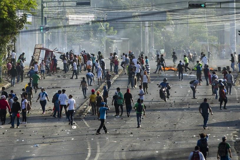 Planowana reforma doprowadziła do gwałtownych protestów /Jorge Torres /PAP/EPA