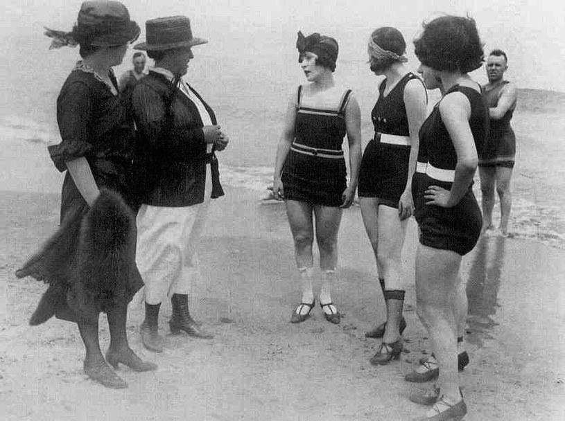 Plaża w Kaliforni, 1922 r. /Agnieszka Lisak – blog historyczno-obyczajowy