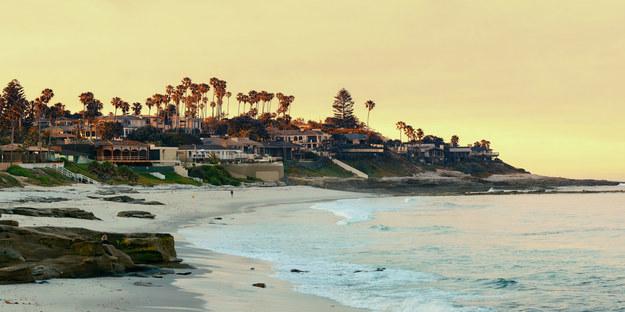 Plaża w La Jolla na północ od San Diego /123/RF PICSEL