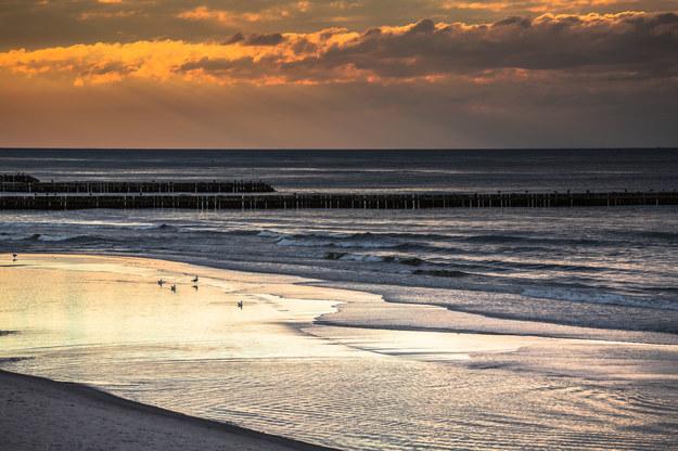 Plaża w Łebie uznawana jest za najpiękniejszą w Polsce /123/RF PICSEL