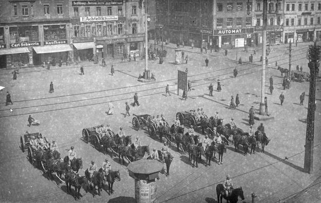Plebiscyt na Śląsku. Artyleria francuska w Katowicach /Z archiwum Narodowego Archiwum Cyfrowego