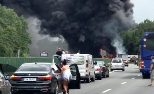 Płonący tir i potężny słup dymu nad A4. Zobaczcie film z Gorącej Linii RMF FM!