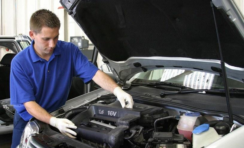 Płukanie silnika można wykonywać w silnikach o niedużym i znanym przebiegu /