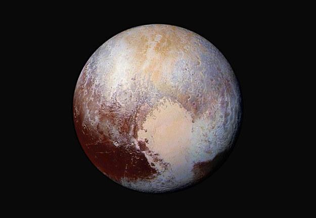 Pluton w kolorach (fałszywych) /NASA