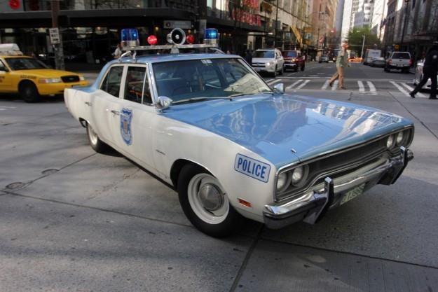 Plymouth Satellite w barwach policji /