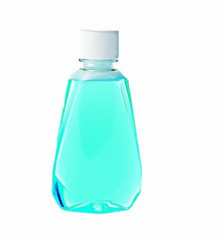 płyn do płukania Warto wybrać taki  z fluorem. Płucz nim jamę ustną przez ok.  30 sekund. /123/RF PICSEL