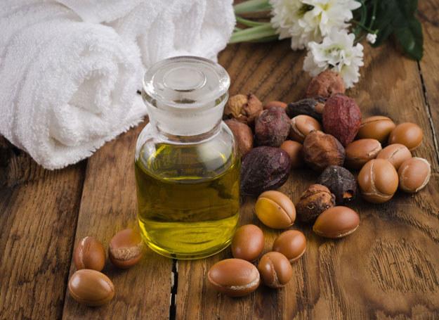 Płynne złoto Maroka, tak często nazywany jest olej arganowy /123RF/PICSEL