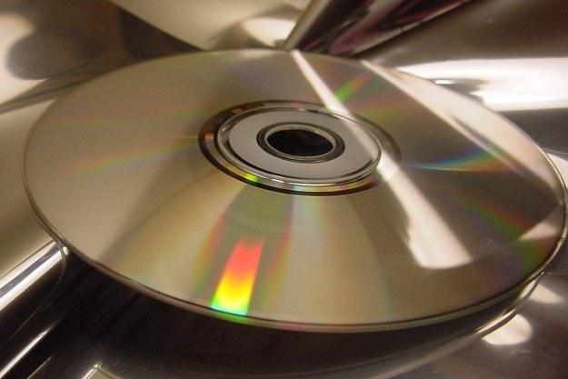 Płyty CD są mniej wytrzymałe niż papier Fot. Pam Roth /stock.xchng