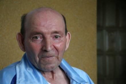 Po 19 latach bezwładnego leżenia Jan Grzebski zaczął mówić i poruszać się /RMF