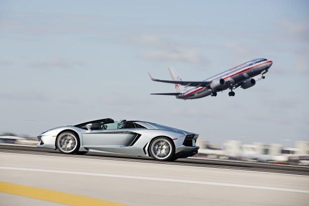 Po co produkować tak szybkie samochody? /