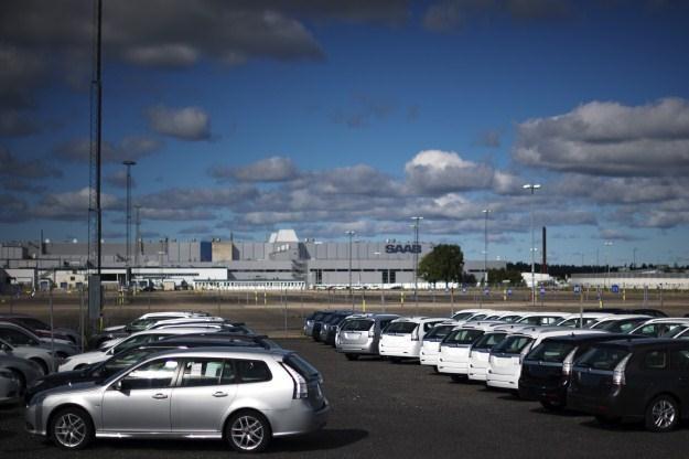 Po fabryce Saaba hula wiatr /AFP