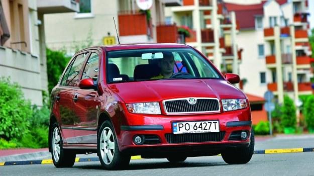 Po faceliftingu w 2004 roku samochód otrzymał nowe reflektory oraz nowe zderzaki. /Motor
