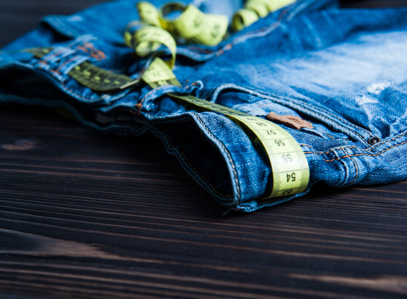 Po lecie nie możesz dopiąć spodni? /123RF/PICSEL