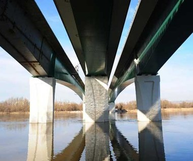 Po nowym warszawskim  moście 116 km/h! Średnio :)
