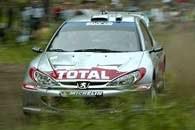 Po raz kolejny to Peugeoty 206 WRC dominują w rajdzie /INTERIA.PL
