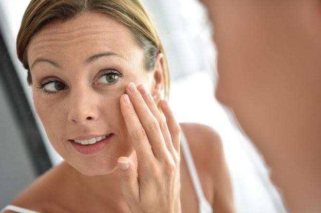 Po umyciu masz poczucie napięcia i dyskomfortu, musisz natychmiast użyć kremu /©123RF/PICSEL
