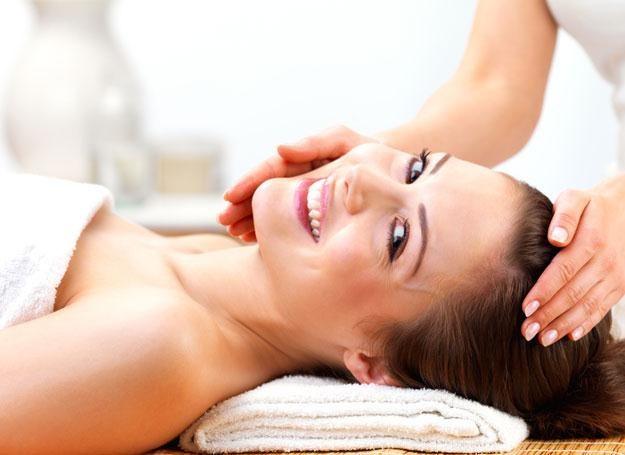 Po wakacjach skóra twarzy i dekoltu wymaga specjalnej pielęgnacji.