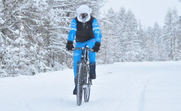 """Pobił rekord w jeździe rowerem w ekstremalnych warunkach. """"Najtrudniejsza była druga doba"""""""