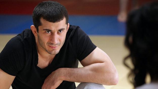 Pochodzi z Czeczenii. Do Polski przyjechał w 1997 roku. Tu skończył studia, założył rodzinę i rozpoczął karierę sportową. /fot  /MTL Maxfilm