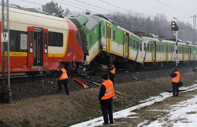 Pociąg SKM uderzył w tył pociągu Kolei Mazowieckich /Paweł Supernak /PAP