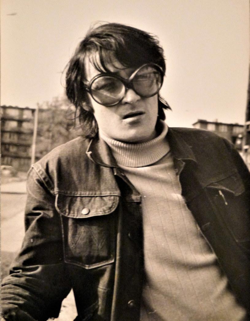Początek lat 70., Krzysztof Klenczon w okularach Alicji/fot. Zbiory Alicji Klenczon /Styl.pl/materiały prasowe
