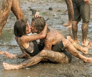 Początki Przystanku Woodstock: Deszcz i legenda o skinach