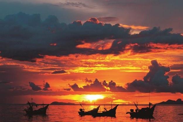 Pocztówkowe zachody słońca są tu codziennie. /Arch/123RF Picsel