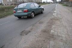 Podczas budowy A2 niszczeją inne drogi