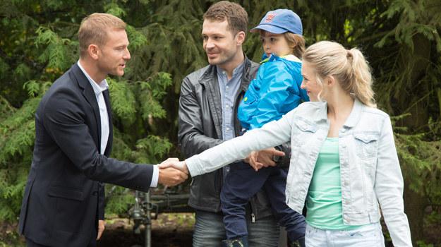 Podczas rozmowy Tarnowska i Budzyński będą się do siebie znacząco uśmiechać... /Agencja W. Impact