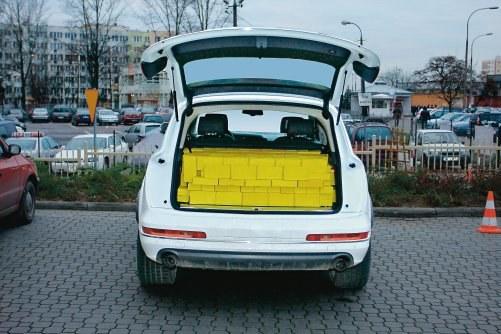 """Podczas testu pojemności bagażników zorganizowanego przez tygodnik """"Motor"""" okazało się, że zamiast deklarowanej pojemności bagażnika 775 l faktycznie jest zaledwie 389 l! /Motor"""