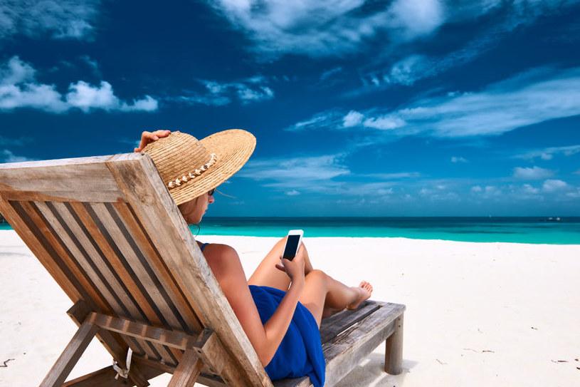 Podczas wakacji wiele osób zapomina o podstawowych zasadach bezpiecznego korzystania z internetu /©123RF/PICSEL