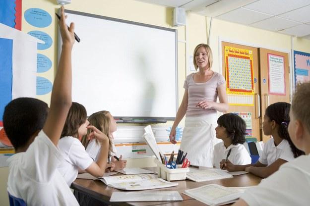 Podejmując pracę nauczyciela na Zachodzie, można zarobić średnio od 1200 do 2500 euro miesięcznie /123RF/PICSEL