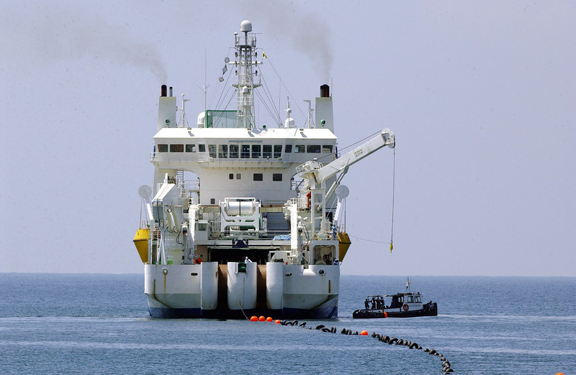 Podmorski kabel ma zostać położony na głębokości sięgającej 1500 m. /AFP