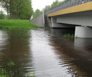 Podnosi się poziom wód w rzekach. Ogłoszono już pogotowie przeciwpowodziowe