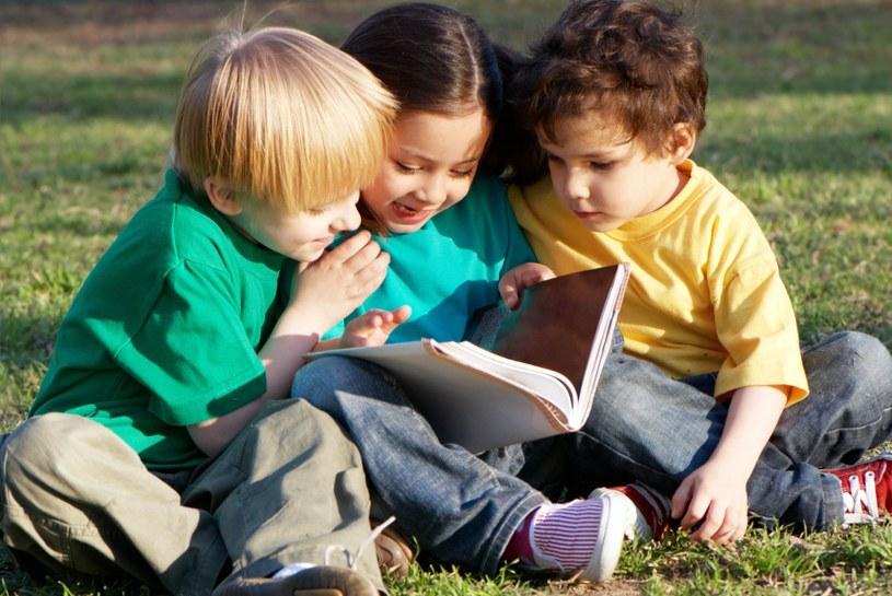 Podsuwajmy dzieciom książki od najmłodszych lat /©123RF/PICSEL