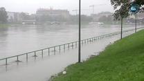 Pogotowie przeciwpowodziowe w Krakowie. Z powodu wysokiego poziomu Wisły zamknięto tunel