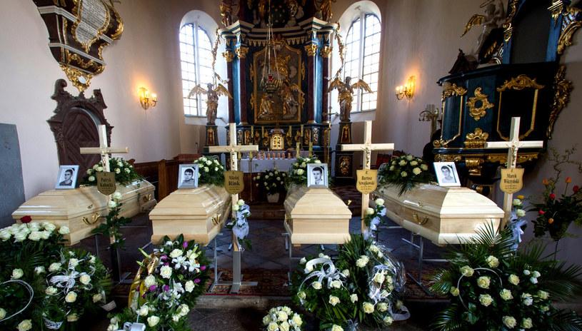 Pogrzeb czterech nastolatków, którzy zginęli w miniony weekend w wypadku w Klamrach. /PAP