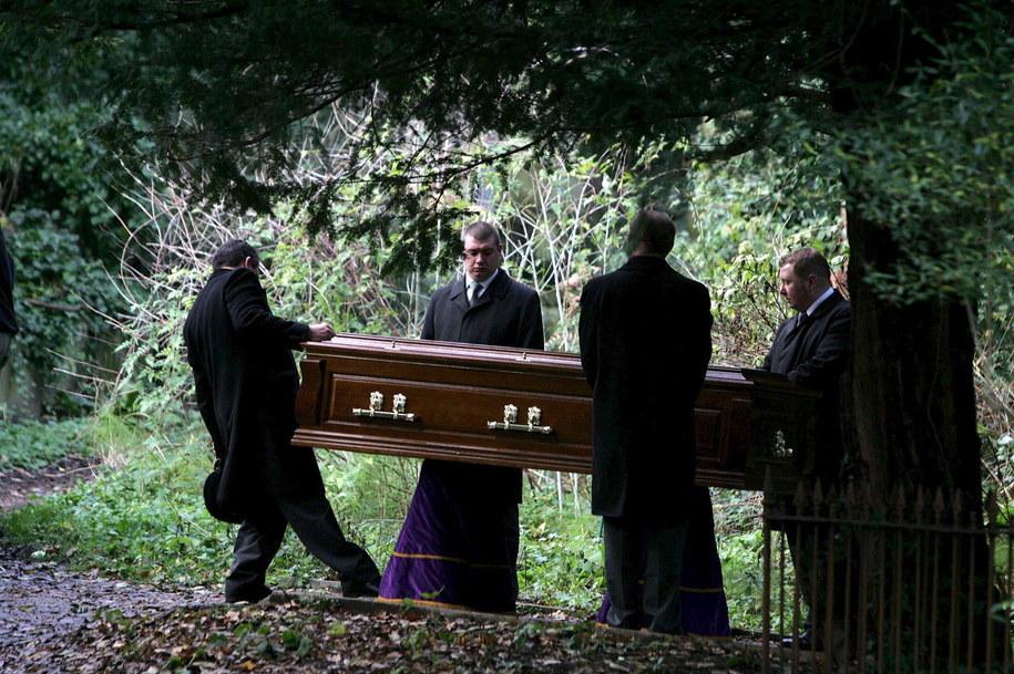 Pogrzeb rosyjskiego agenta Aleksandra Litwinienki na cmentarzu Highgate w Londynie /CATHAL MCNAUGHTON - POOL /PAP/EPA