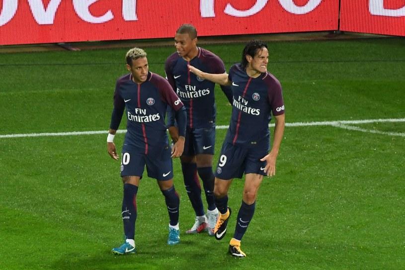 Pojawienie się Neymara (L) w PSG miało nie zostać przychylnie odebrane przez niektórych zawodników /AFP
