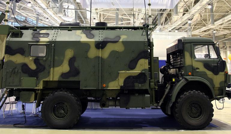 """Pojazd kierowania aktywnymi systemami WRE kompleksu """"Moskwa-1"""". Fot. kret.com /materiały prasowe"""