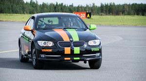 Pojechał swoim BMW 186 km/h. Na dwóch kołach!