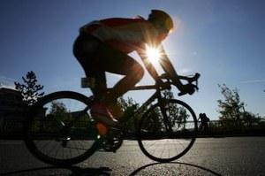 Pojedzie na rowerze po nowy rekord