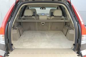 Pojemność bagażnika: 613–1835 l. Tylna klapa składa się z dwóch części. /Motor