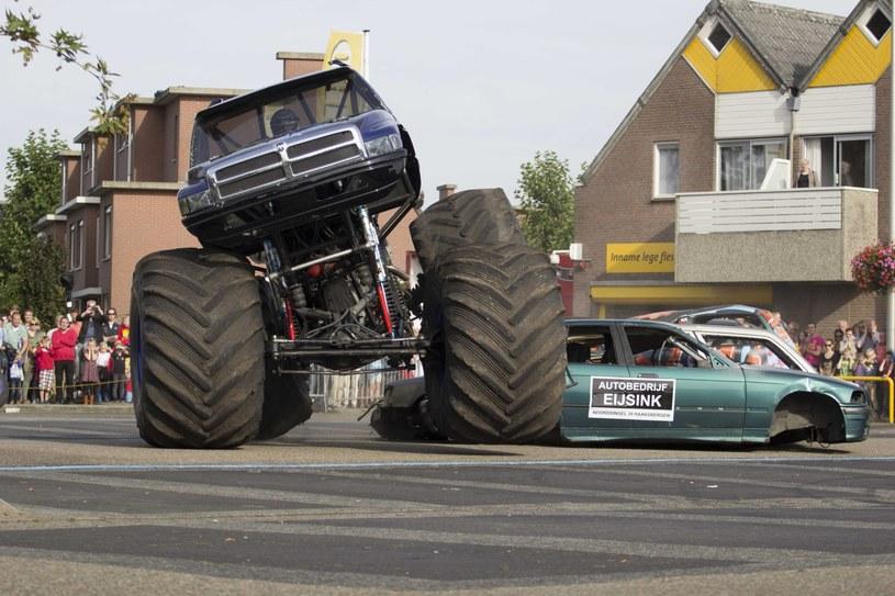 Pokaz monster truck, jeszcze przed wypadkiem /PAP/EPA