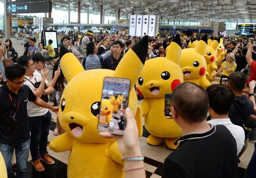 Pokemony to światowy fenomen, o czym świadczą między innymi wyniki sprzedaży gier z tej serii /AFP