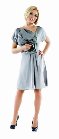 """Pola, którą gra  w """"Przepisie na życie"""", uwielbia szpilki. Ona prywatnie stawia na wygodne obuwie sportowe. No, chyba że okazja jest odświętna. /Mat. Prasowe"""