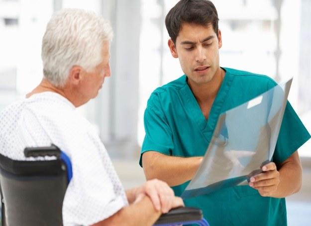 Polacy coraz częściej dochodzą swoich praw również za błędy w sztuce lekarskiej /123RF/PICSEL