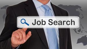 Polacy coraz częściej szukają pracy przez media społecznościowe