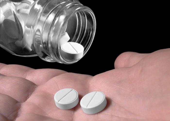 Polacy kupują na potęgę leki bez recepty /© Bauer
